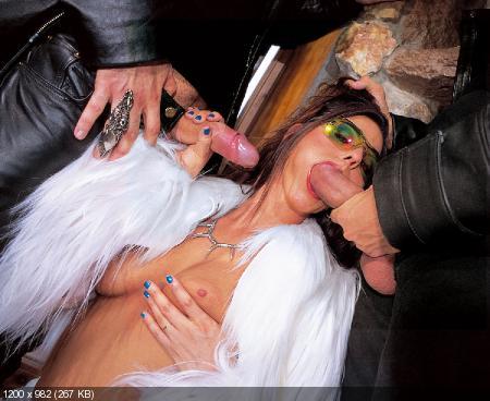 Интимное фото гламурных дам