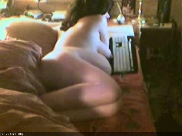 skritaya-kamera-zhena-masturbiruet-video