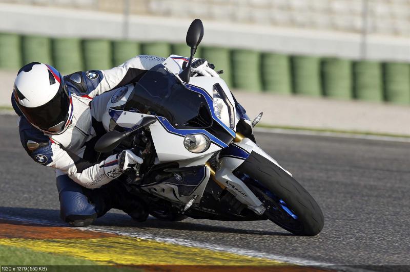 Фотографии и видео спортбайка BMW HP4 2013